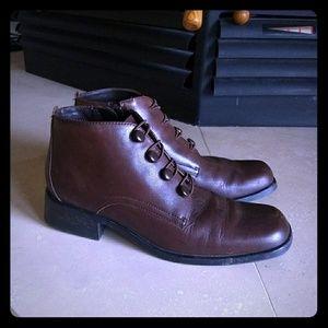 ✴️ LIZ BAKER® Leather Women's Bootie